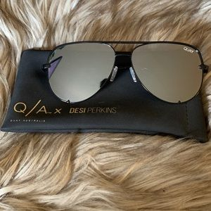 Quay x Desi High Key Black/Silver Sunglasses